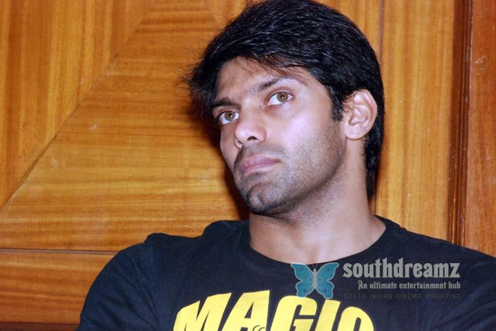 Tamil actor aarya exclusive photos 22