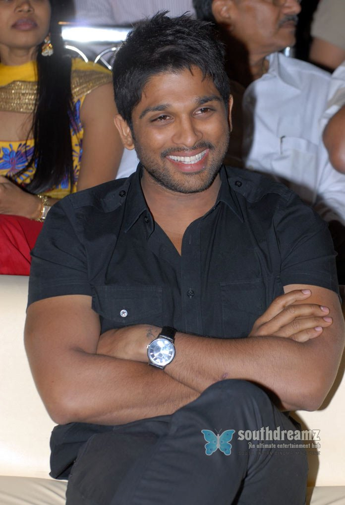 Telugu actor allu arjun latest stills 23