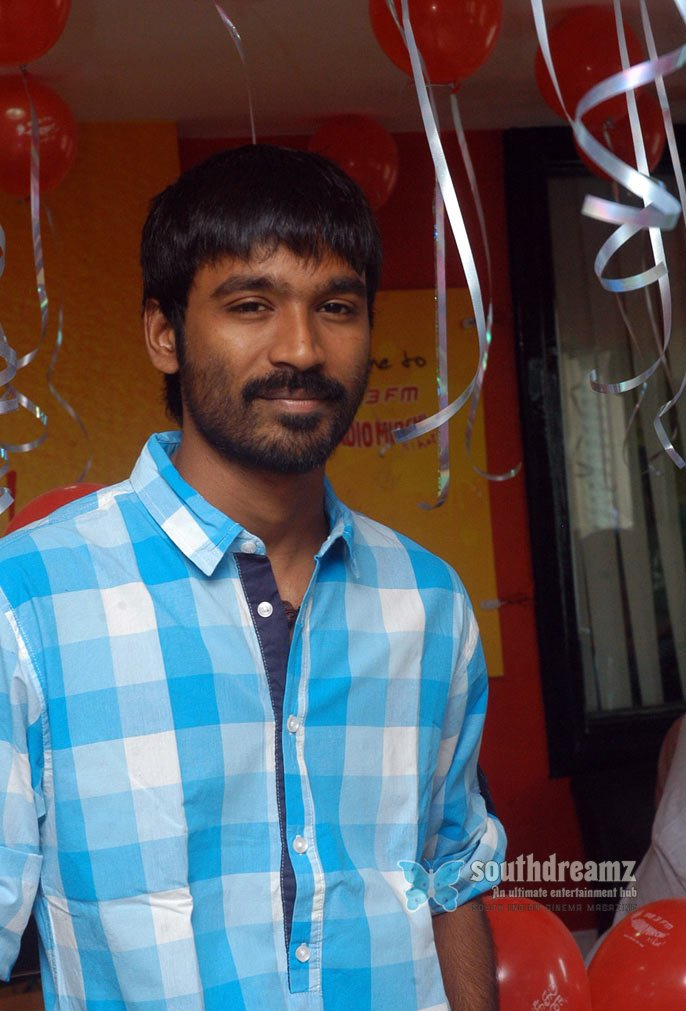 Kollywood actor dhanush stills 4