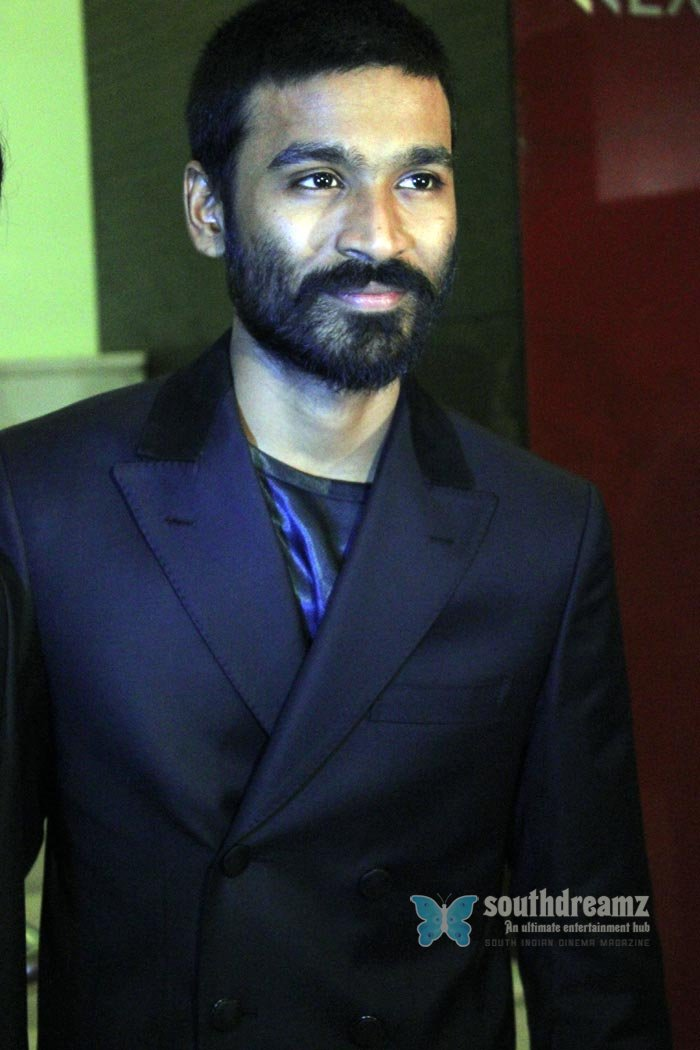 Tamil actor dhanush exclusive photos 16