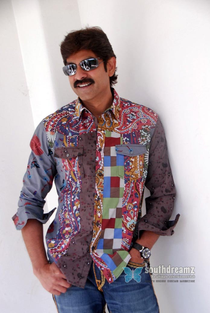 Telugu actor jagapati babu stills 17