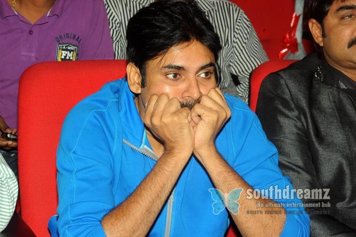 Telugu actor pavan kalyan exclusive photos 14