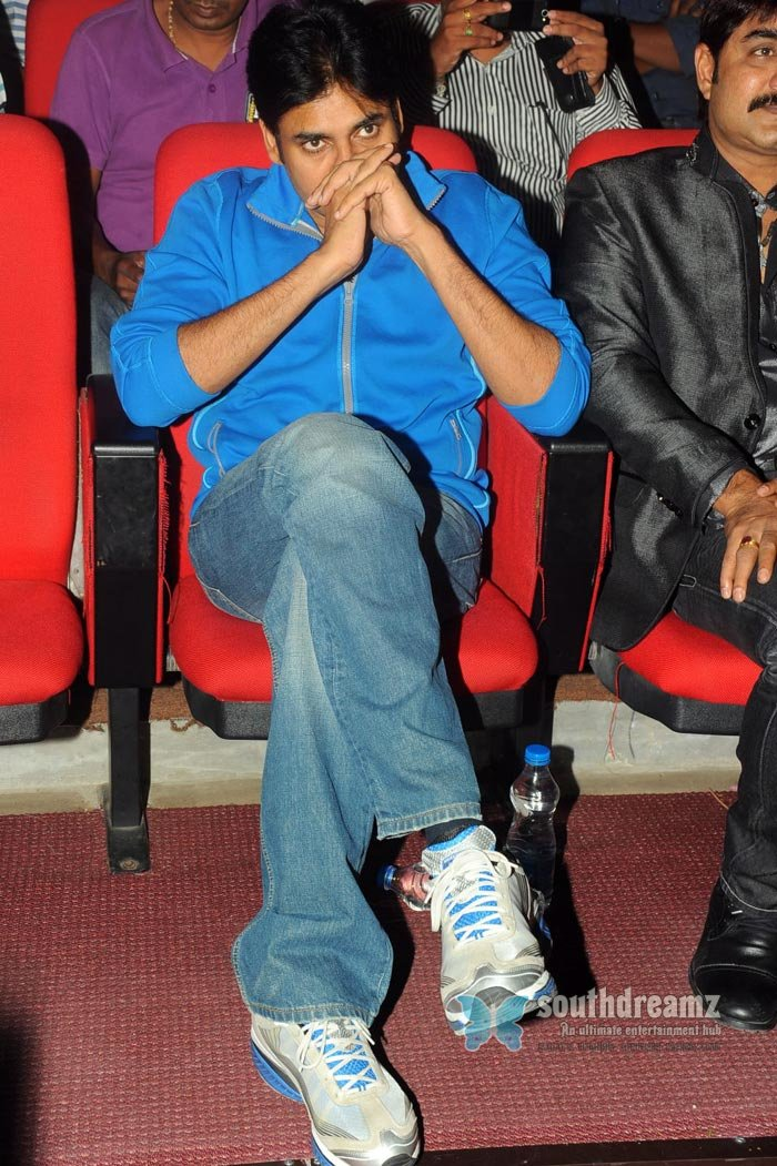 Telugu actor pavan kalyan exclusive photos 7