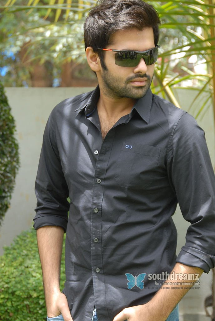 Tamil actor ram pothineni latest photos 17
