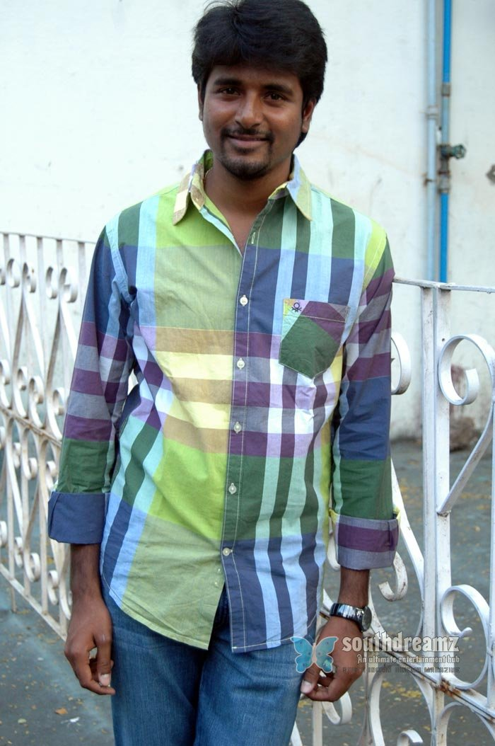 Tamil actor sivakarthikeyan exclusive photos 6
