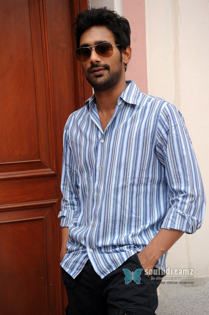 Actor varun photos 1