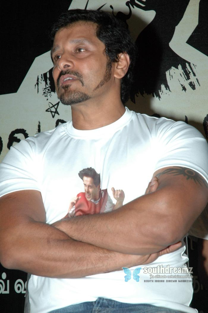 Tamil actor vikram exclusive photos 15