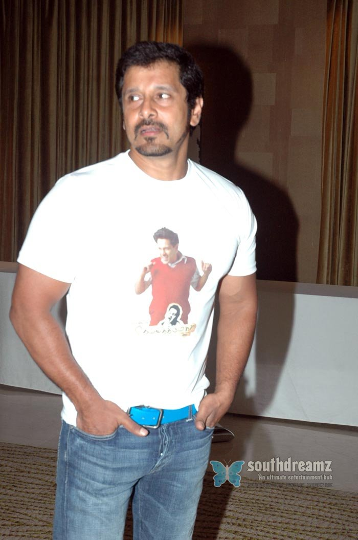 Tamil actor vikram exclusive photos 5