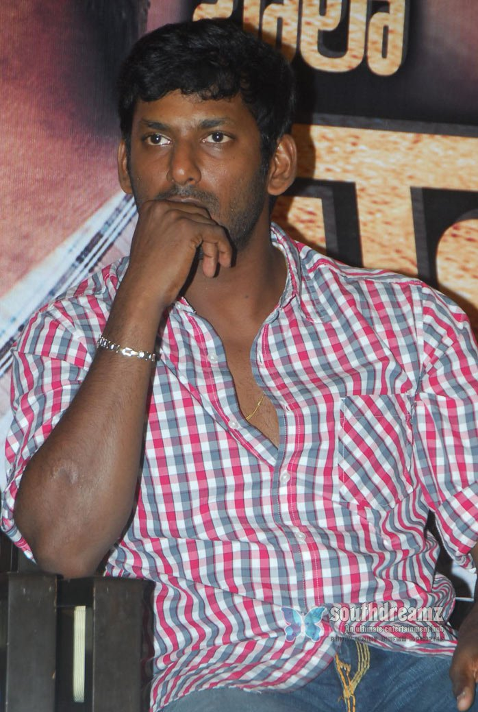 Tamil actor vishal stills 10