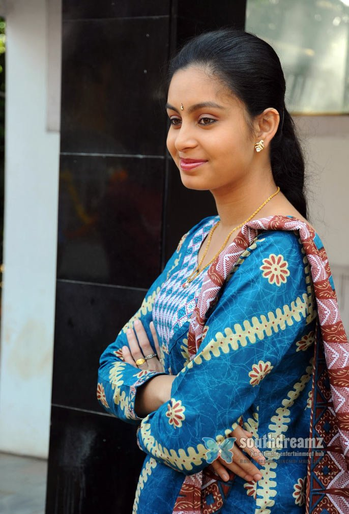 Cute actress abinaya stills 17