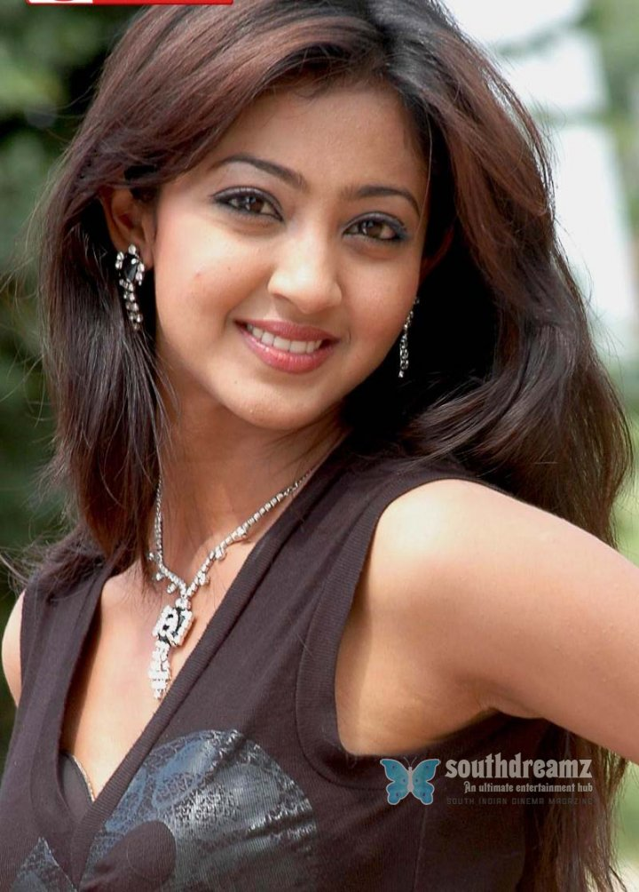 hot-actress-aindrita-ray-pictures-04_720_southdreamz.jpg (720×1004)