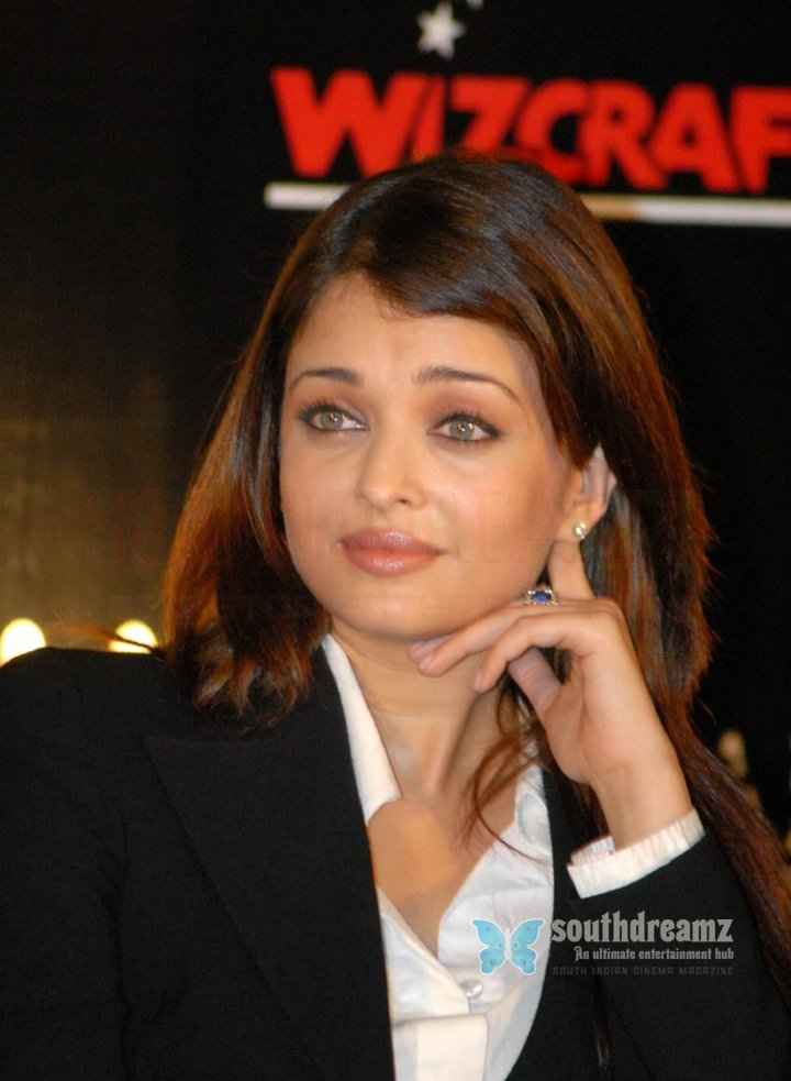 Actress aishwarya rai stills 33