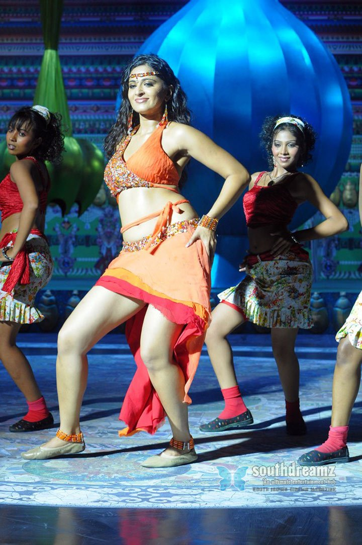 telugu actress anushka glamour pictures 108
