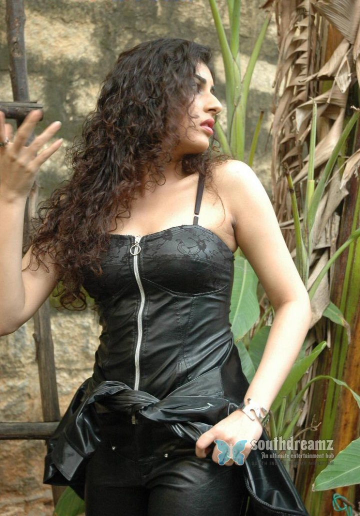 Actress veda sastry aka archana 22
