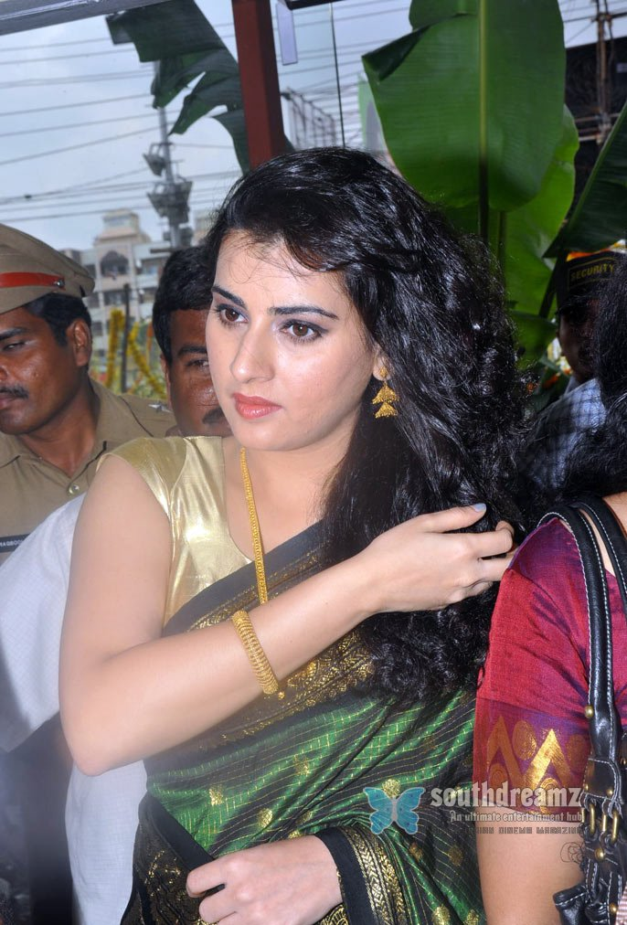 Telugu actress archana masala stills 21