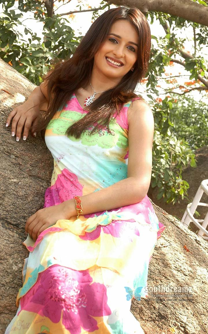 Hot telugu actress arya menon photos 58