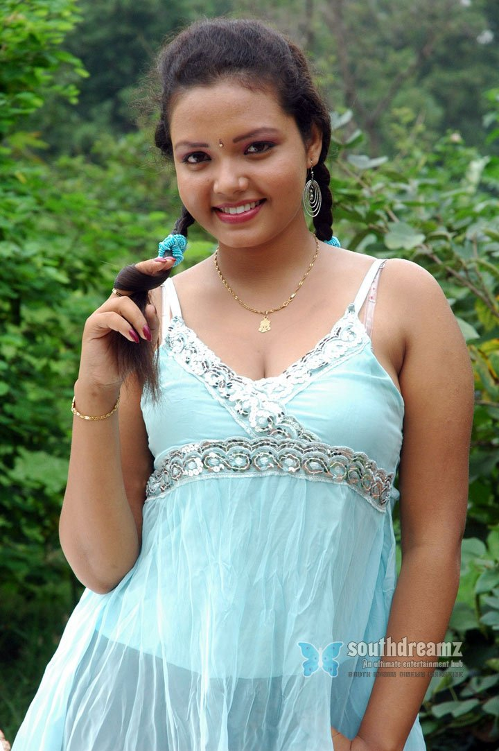 Oru santhippil movie hot photo gallery 5