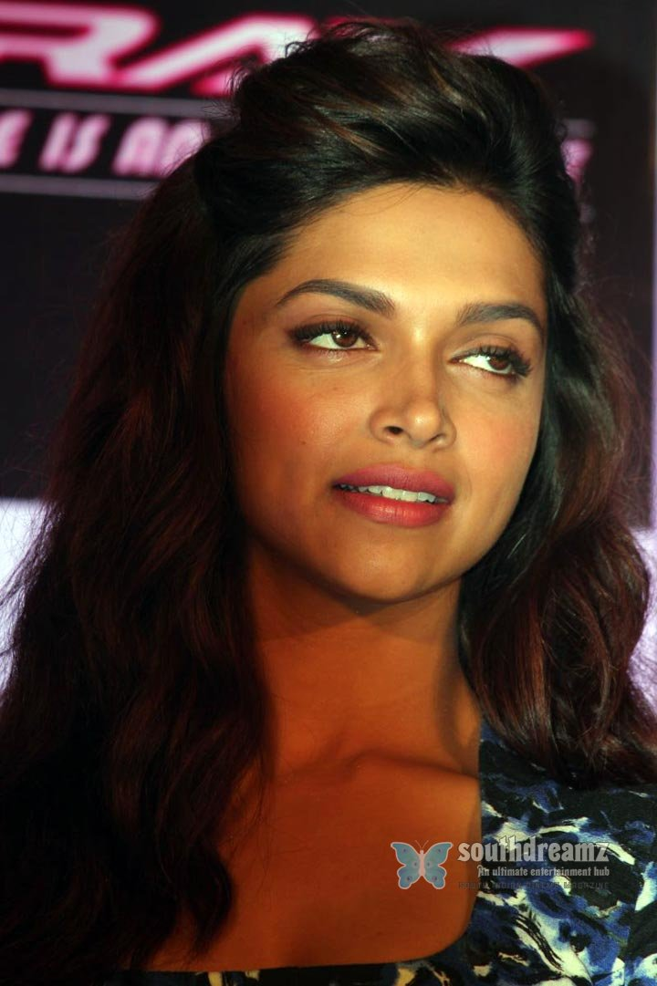 Deepika padukone hot stills 80