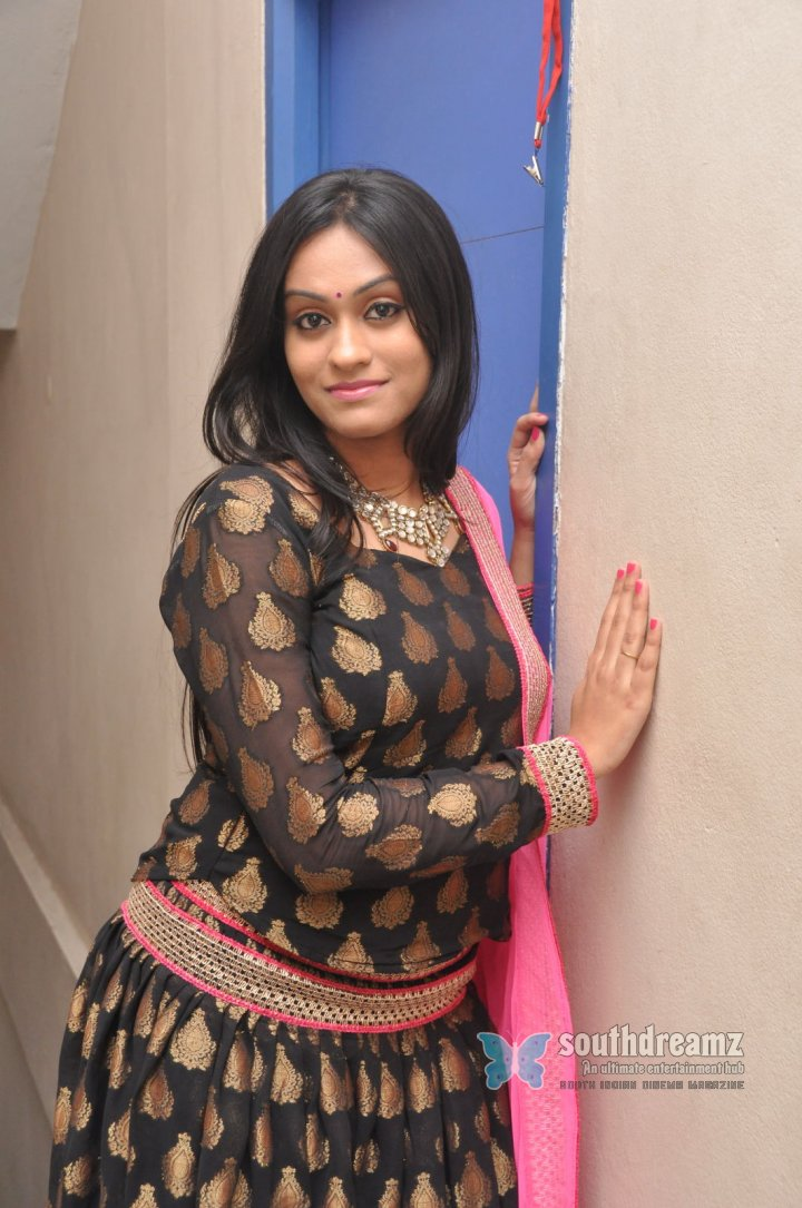 Tamil actress Geetha Bhagat spicy photos 11