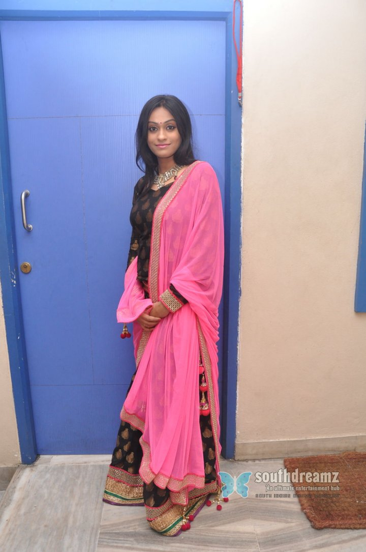 Tamil actress Geetha Bhagat spicy photos 6
