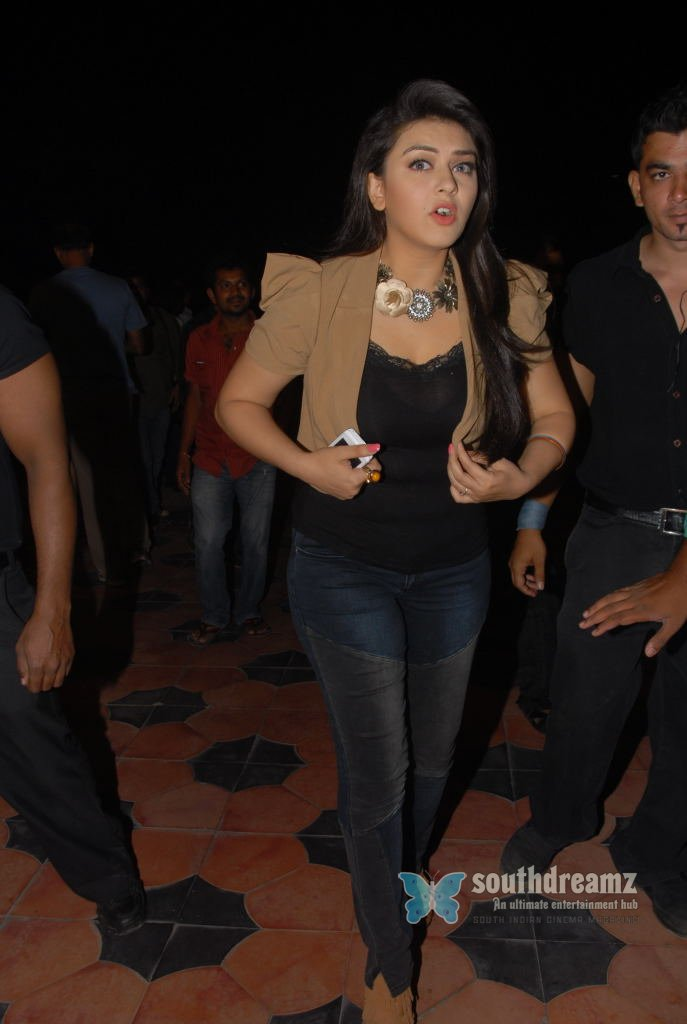Indian actress hansika motwani masala stills 9
