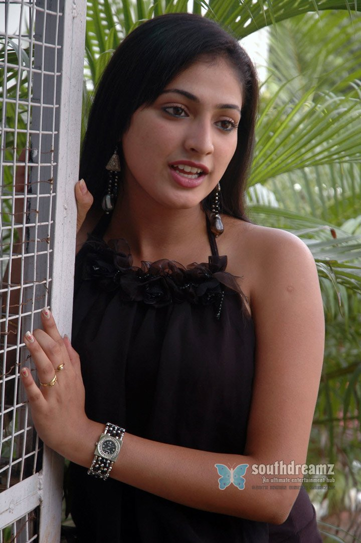 Actress haripriya spicy stills 79