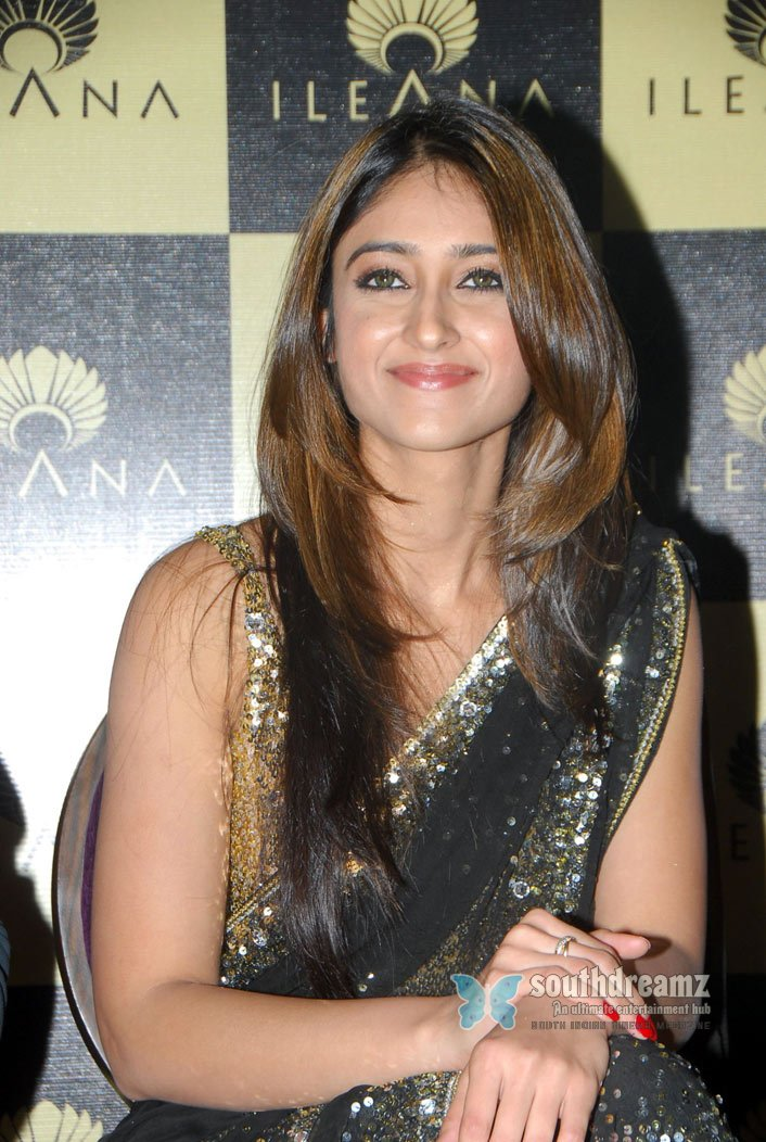 Tamil actress ileana glamour stills 5
