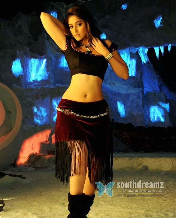 Telugu actress illeana hot spicy stills 8