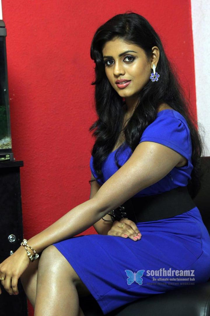 Kerala masala actress iniya spicy pictures 33