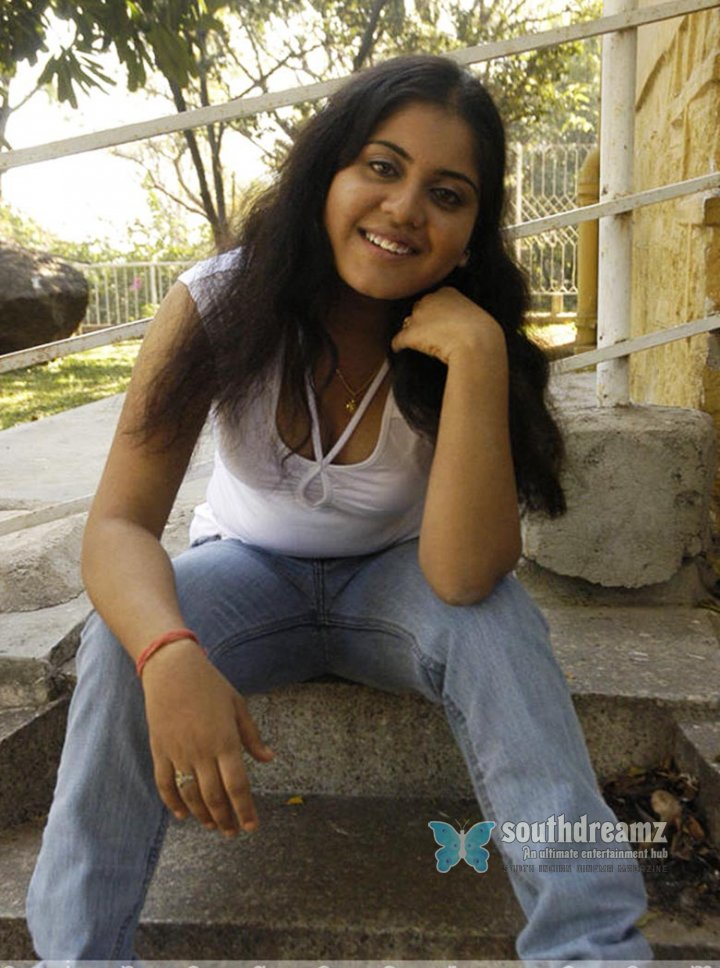 Spicy actress jyothsna masala photoshots 49