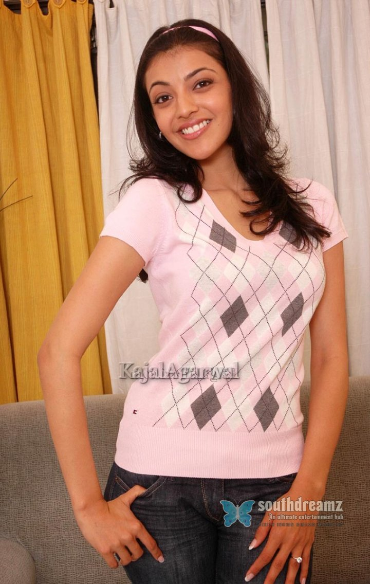 South indian actress kajal agarwal stills 17