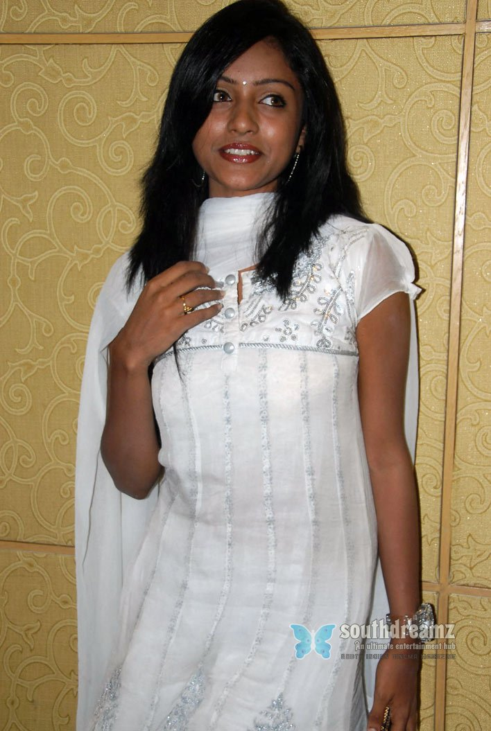 Actress keerthi glamour stills 31