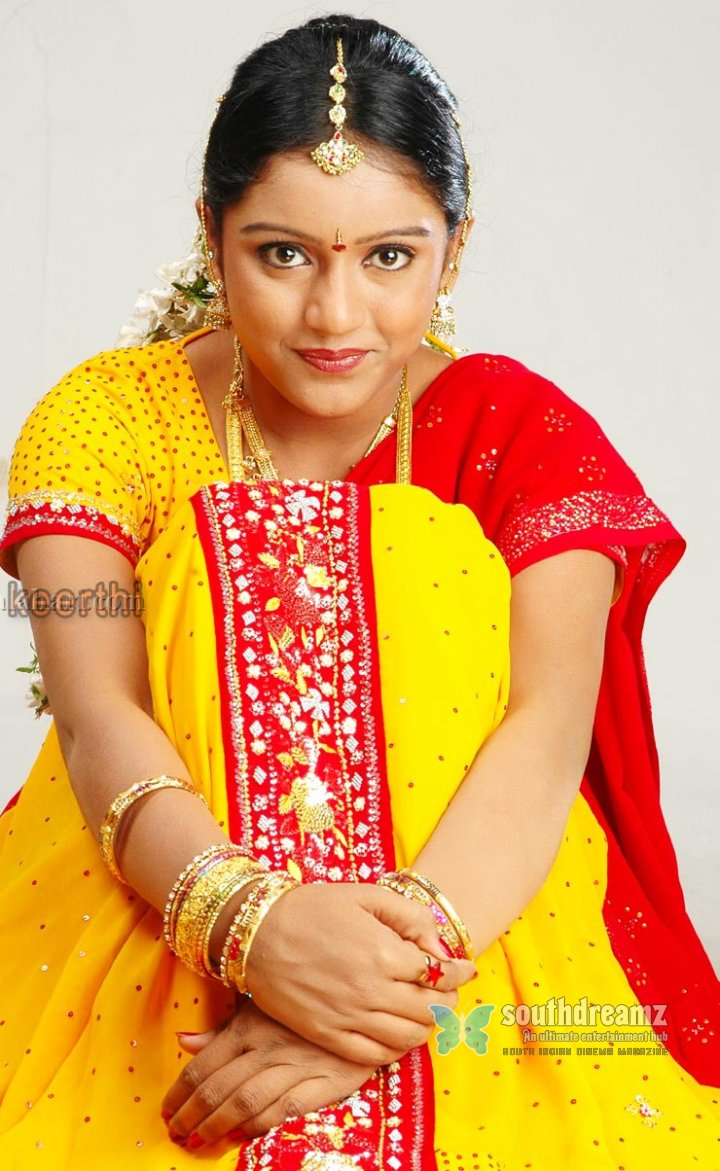 Hot actress keerthi gallery 50