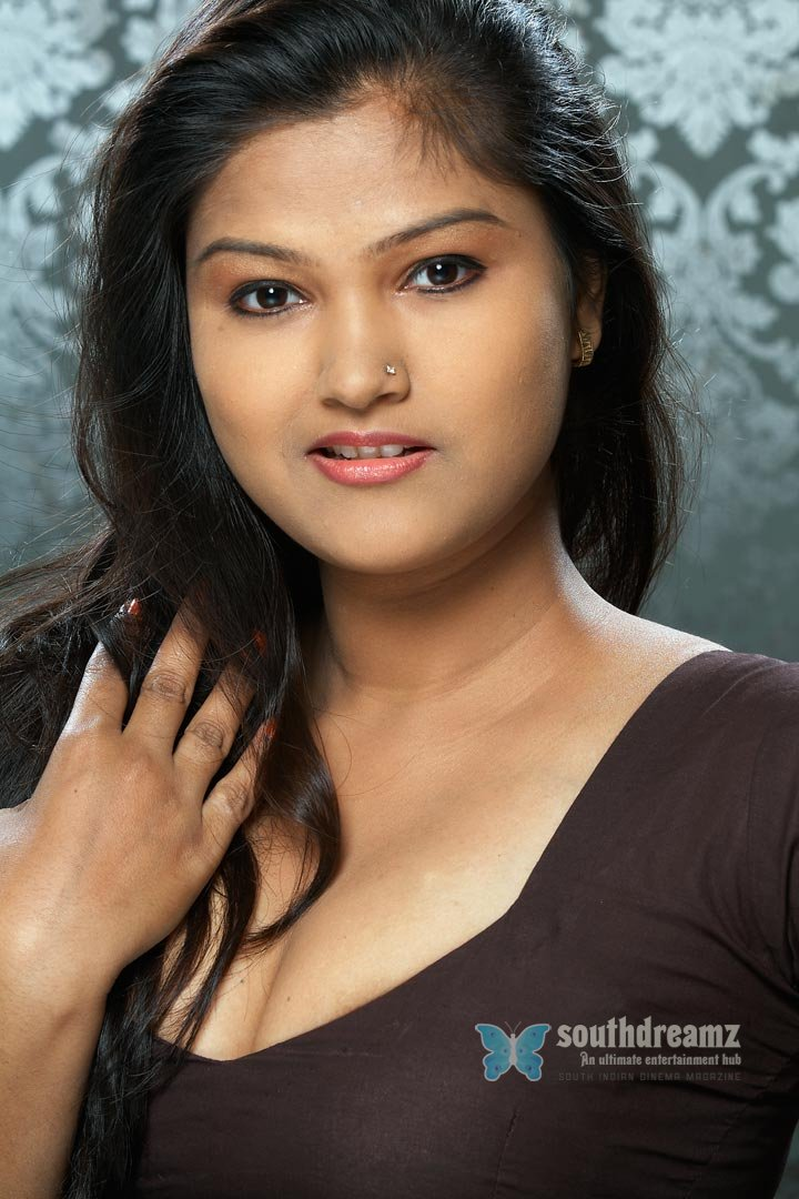 Model actress kiran glamour photos 23