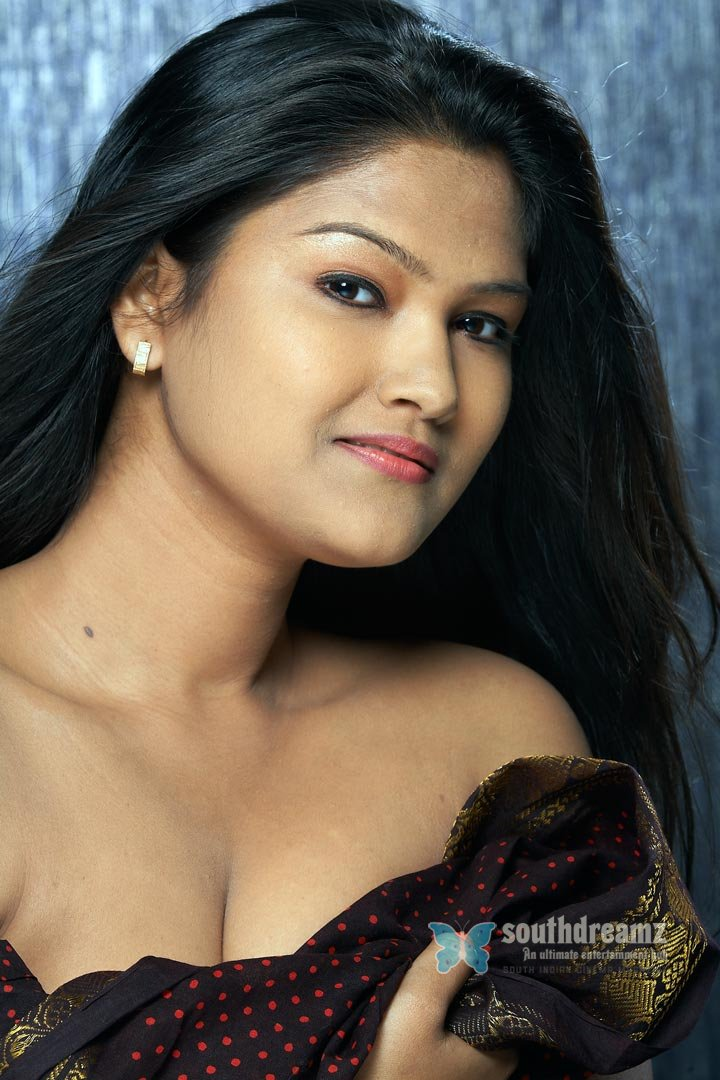 Model actress kiran glamour photos 33