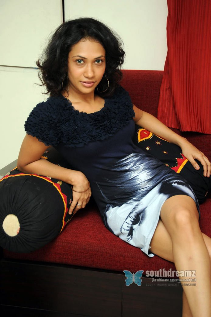 Glamour actress kusum hot pictures 18