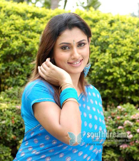 Actress malavika hot photos 018