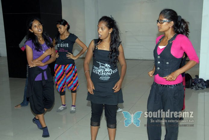 Glamour actress namitha dance rehearsals photos 52