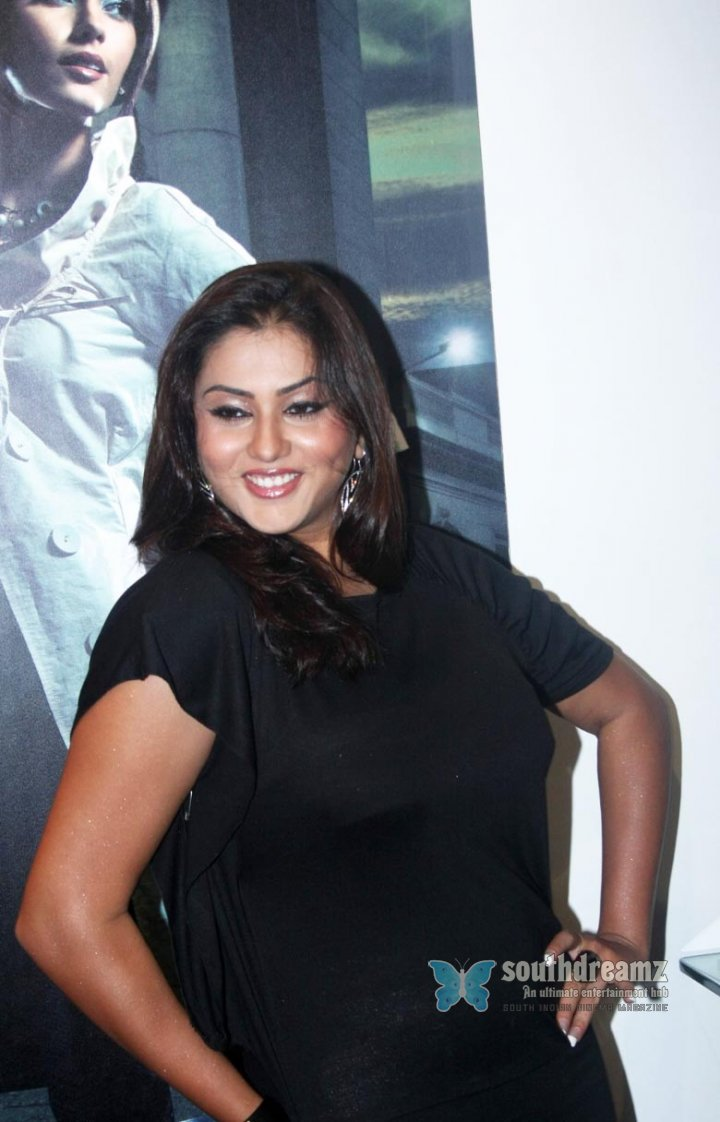 Spicy south indian actress namitha pictures 21