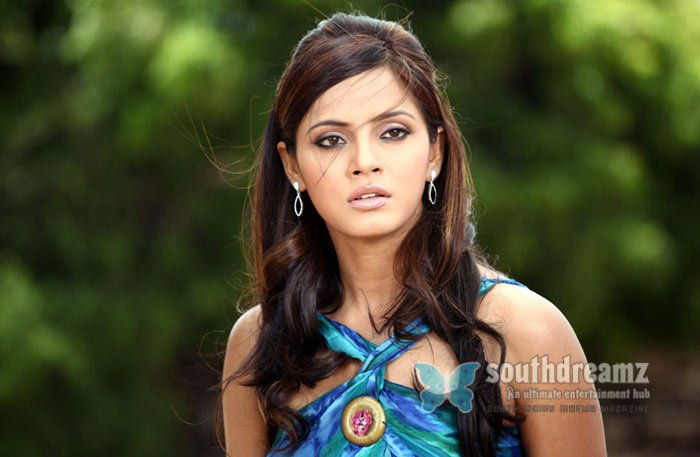 Actress neetu chandra lovely actions 3