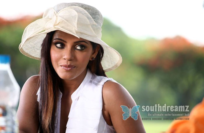 Actress neetu chandra hottest photoshoot 9