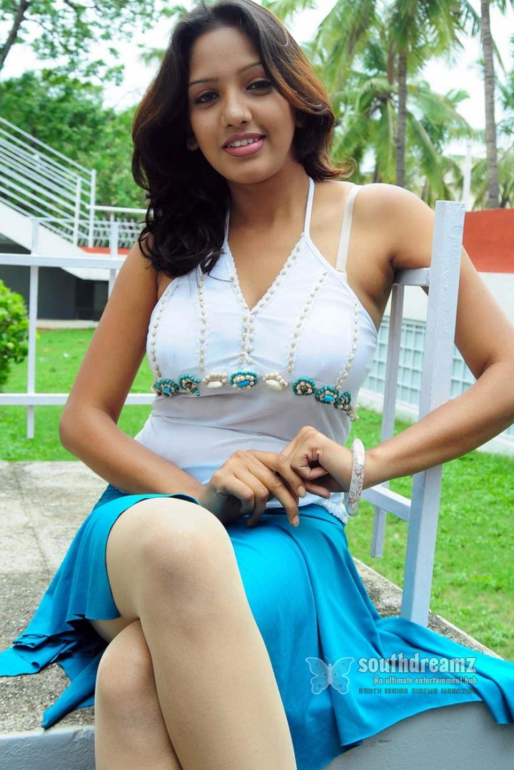 Actress pavani spicy stills 30