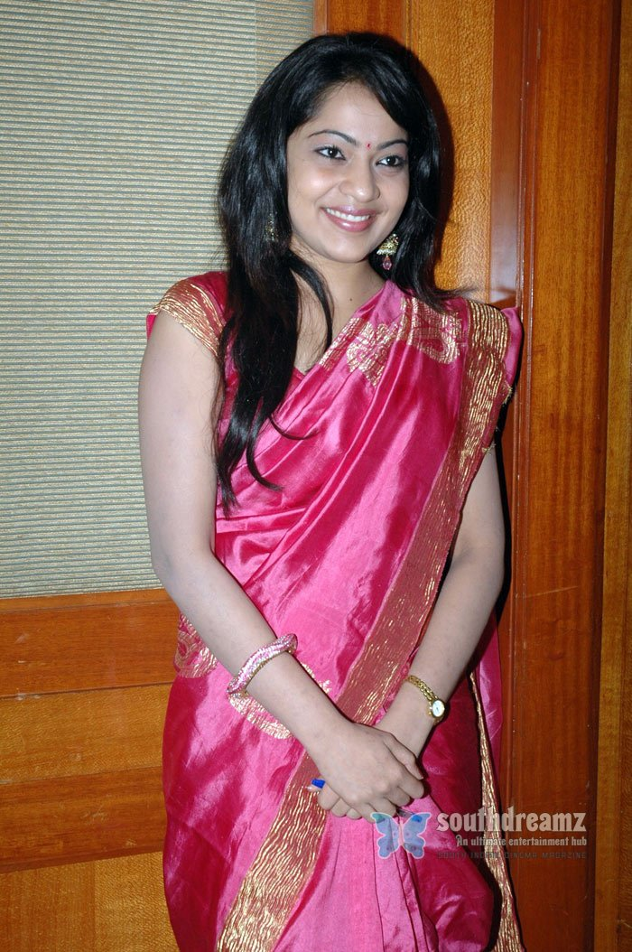 tamil tv actress ramya glamour stills 7 720 southdreamz CHOW DOWN AT CHICK FIL A   EVEN IF YOU'RE GAY ! THE NAUGHTY BAR !