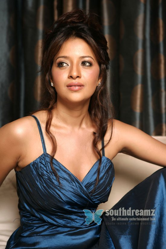Spicy actress reema sen stills 6