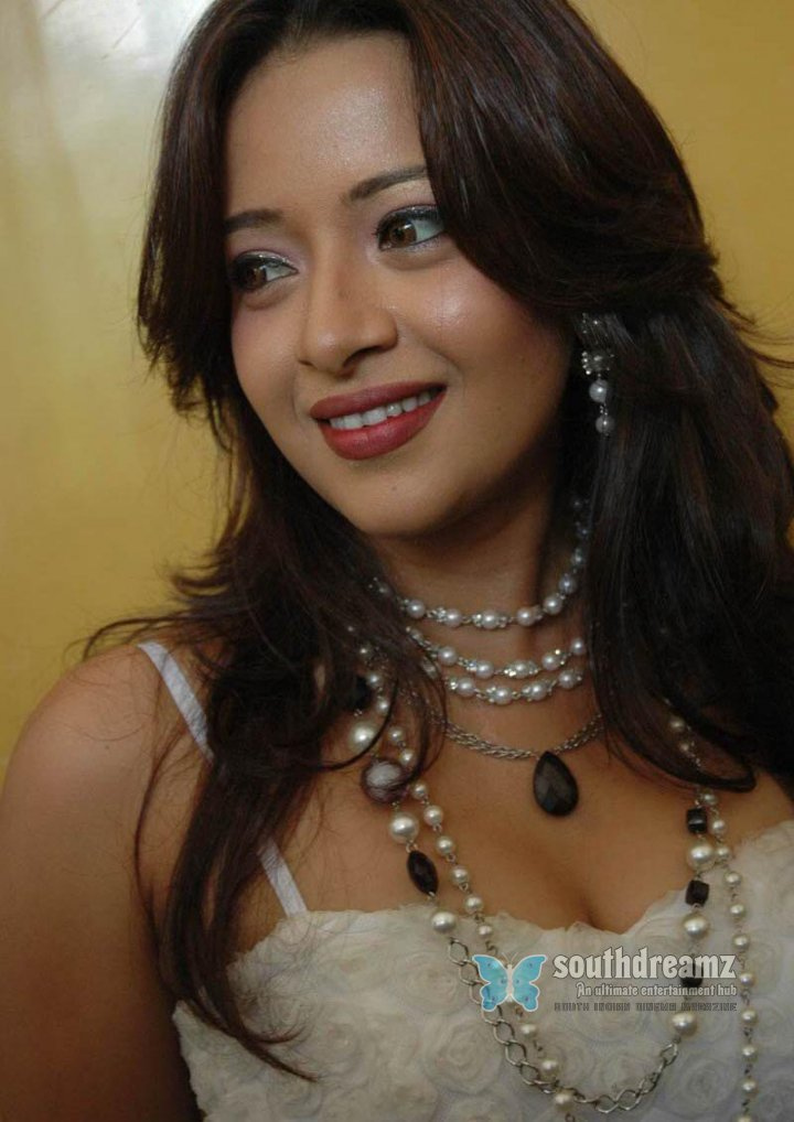 Actress reema sen hot stills 69