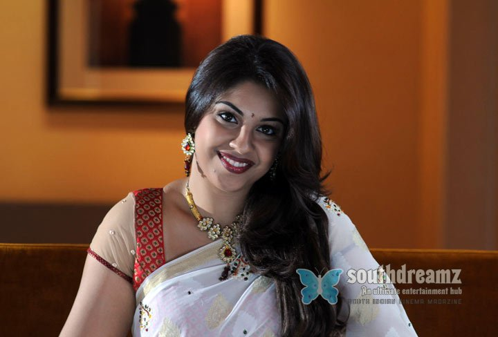 Photo shoot of richa gangopadhyay pakistani indian english dresses 9