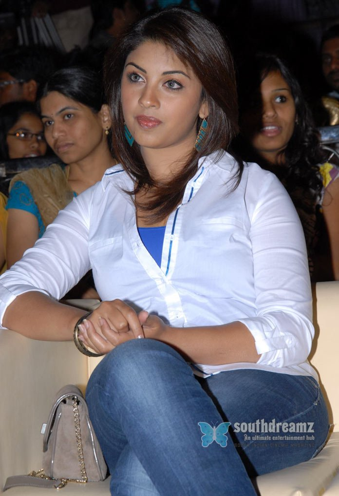 Desi masala girl richa gangopadhyay hot glamour photos 62