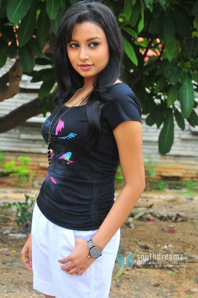Telugu actress richa hot masala stills 5