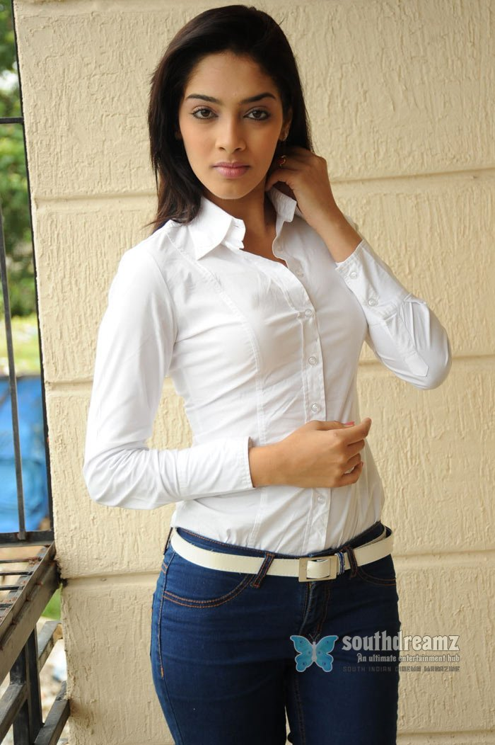 Tamil actress ritika hot stills 24