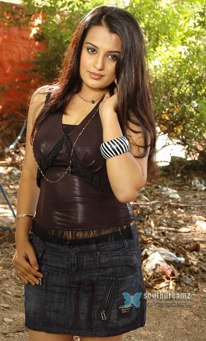 Telugu actress roopa kaur picture 054